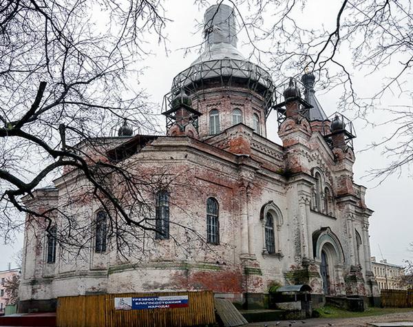 В Луге приступают к реставрации Воскресенского собора